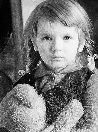 Анна Ардова в детстве фото