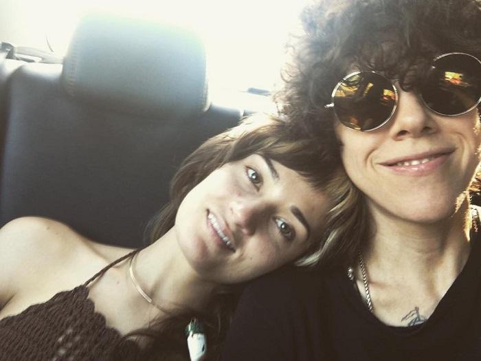 На фото Лаура Перголицци и ее девушка Лорен Рут Уорд