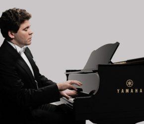 Пианист Денис Мацуев: биография, личная жизнь, фото