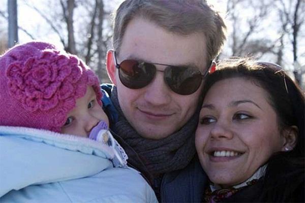 Алексей Демидов с семьей женой и дочкой фото