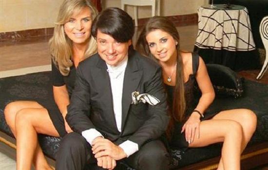 Валентин Юдашкин с семьей женой и дочерью фото